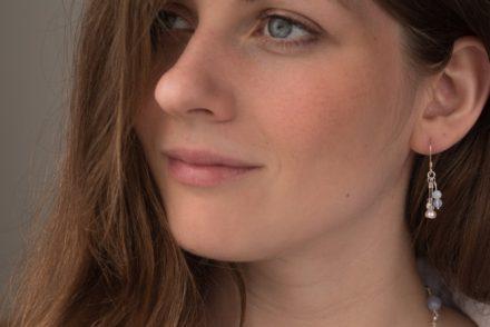 website_pearl_bluelace__model_earring1-1315